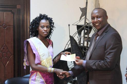 Cérémonie officielle de remise de chèques aux jeunes bénéficiaires FIJ au Sénégal