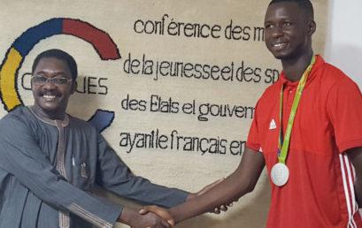 Le Champion olympique, Issoufou Alfaga Abdoulrazack, en visite au siège de la CONFEJES