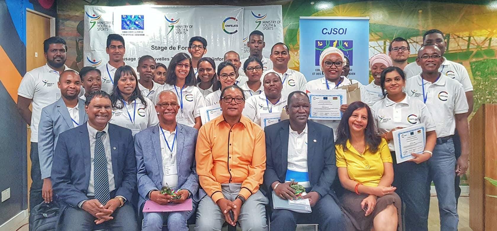 La Jeunesse de l'Océan Indien à l'école des Technologies de l'information