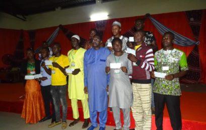 Remise des chèques dans le cadre du programme PPEJ aux jeunes entrepreneurs du Burkina Faso